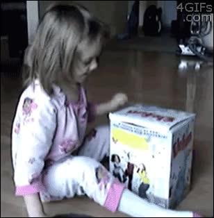 Enlace a Un curioso muñeco en esta caja sorpresa
