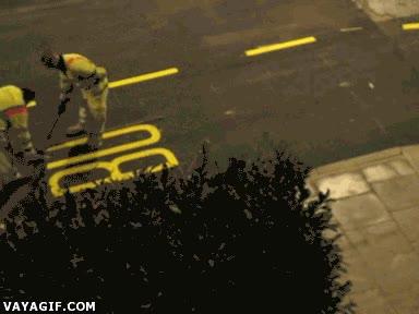 Enlace a ¿Usar plantillas para rotular la calle? Somos profesionales, no las necesitamos