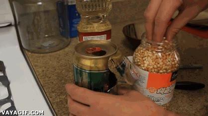 Enlace a Convertir una lata de refresco o cerveza en una máquina de hacerpalomitas