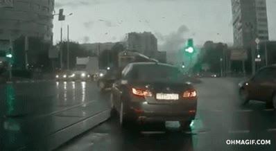 Enlace a Estar conduciendo y de repente... ¿de dónde ha salido ese coche?