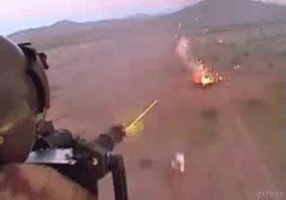 Enlace a Vista desde un helicóptero abriendo fuego