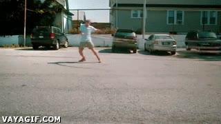 Enlace a ¿Así que el hula-hop es para mujeres? Encuentra a alguna capaz de hacer girar éste