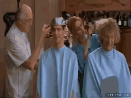 Enlace a Cuando pido un corte de pelo nuevo en la peluquería y veo el resultado