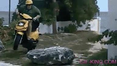 Enlace a ¿Alguien le puede decir a este hombre que una scooter no es una moto de trial?