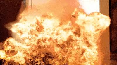 Enlace a Si tiene muchas explosiones siempre será una buena película y sabemos quién será su director