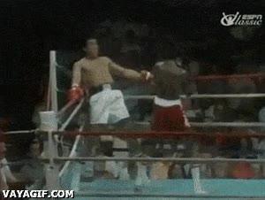 Enlace a Muhammad Ali esquiva 21 puñetazos en 10 segundos