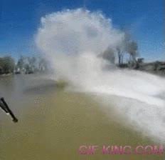 Enlace a Si alguna vez haces esquí acuático, no mires abajo