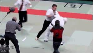 Enlace a Si todos los árbitros fuesen así, se les respetaría mucho más