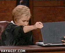 Enlace a Mi madre mirando mis notas...