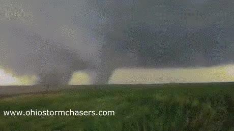 Enlace a ¿Qué es peor que un tornado gigante?