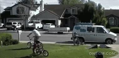 Enlace a Os voy a enseñar mi nuevo truco de BMX, lo llamo 'facefloor'