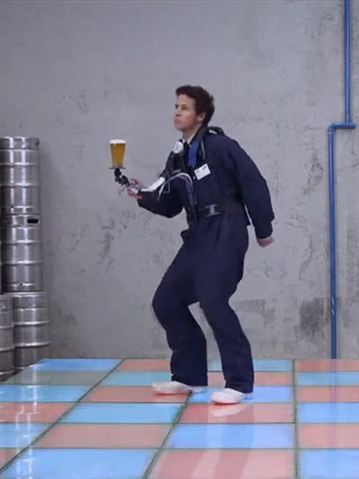 Enlace a El invento definitivo para beber y bailar