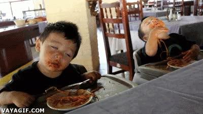 Enlace a Abuela, que no podemos comer más, por favor, déjanos...