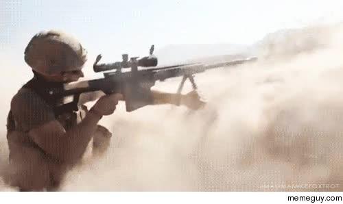 Enlace a Un francotirador es capaz de disparar a una distancia de 3 kilómetros