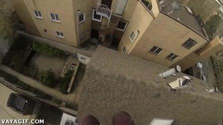 Enlace a ¿Que han fregado las escaleras del edificio? No problem...