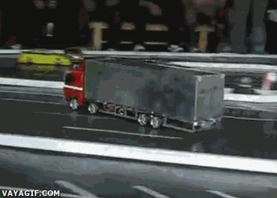 Enlace a Control máximo de este camión de radiocontrol