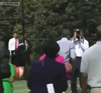 Enlace a Y por eso Obama es presidente y no jugador de la NBA