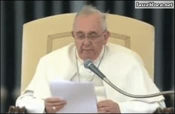 Enlace a Pequeño problema técnico en un discurso del Papa Francisco