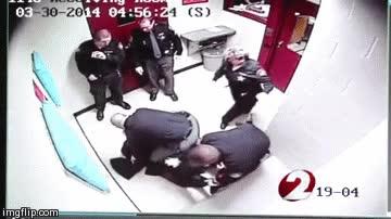 Enlace a ¿Brutalidad policial? Creo que es decir demasiado poco...