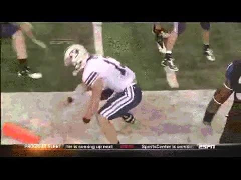 Enlace a Un touchdown casi milagroso y tanta alegría que se marca un high five hasta con el árbitro