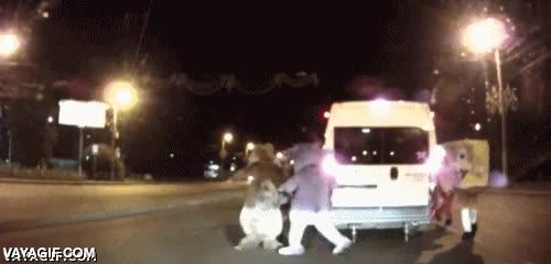Enlace a En Rusia, cualquiera te puede pegar una paliza tras un accidente de tráfico, cualquiera