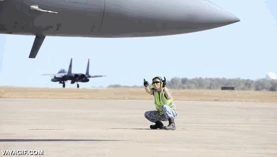 Enlace a En las fuerzas aéreas de Singapur saben controlar el tráfico aéreo con mucho flow