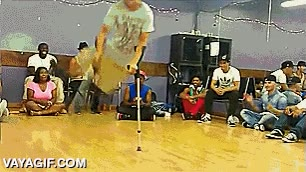 Enlace a A este chaval no le hacen falta las dos piernas para ser un pedazo de bailarín de breakdance