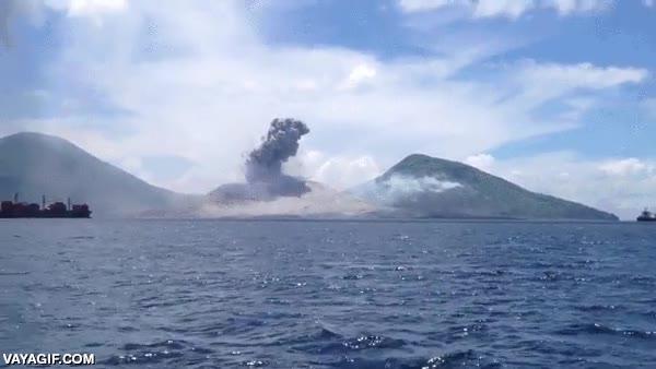 Enlace a La erupción de hace unos días del monte Tavurvur