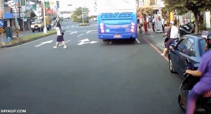 Enlace a La importancia de mirar al cruzar la calle