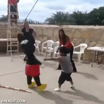 Enlace a ¡Quiero mis chucherías, estúpido ratón-piñata!