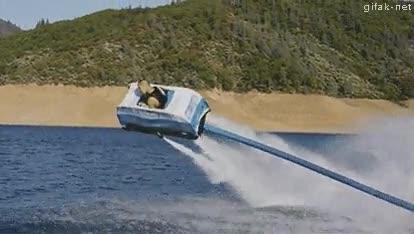 Enlace a El coche de agua volador