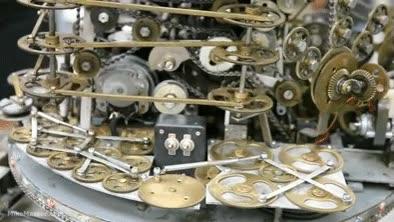 Enlace a Una máquina con más de 700 engranajes que sirve para... bueno, para nada en realidad...