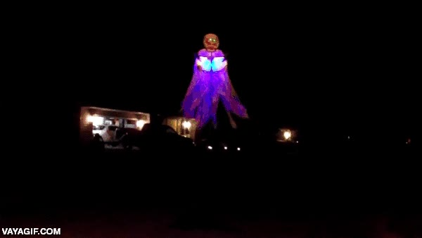 Enlace a Excelente uso de un dron para asustar en Halloween