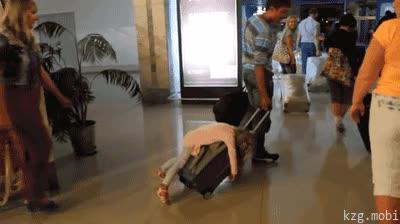Enlace a Paco, te dije que te estabas pasando con los tranquilizantes para la niña en el avión...