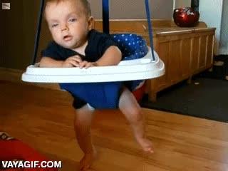 Enlace a Sólo un niño puede tener tantas ganas de jugar que se quede dormido sin dejar de hacerlo