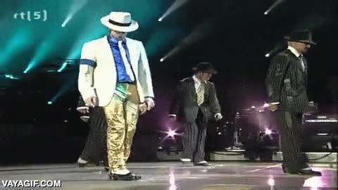 Enlace a Uno de los bailarines se queda enganchado con el clavo del suelo que usaban para Smooth Criminal
