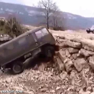 Enlace a Oh vaya, una pared de piedra, ¿y ahora qué hacemos? Pues subirla...