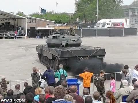 Enlace a ¿Así que no os habéis asustado con el tanque, eh? ¡Pues tomad!