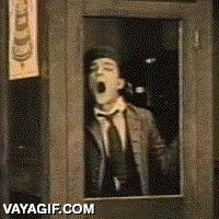 Enlace a El gran maestro Buster Keaton limpiando una ventana
