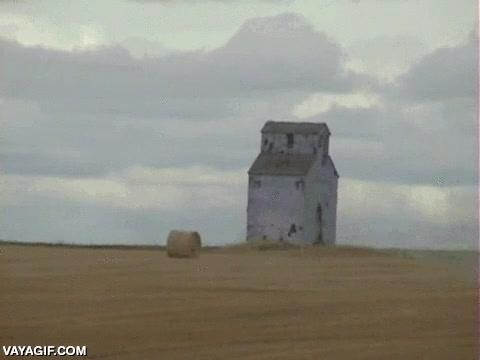 Enlace a En Saskatchewan la gente no se muda de casa, la casa se muda de gente