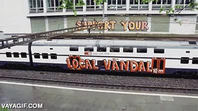 Enlace a Trenes que incitan al vandalismo sin saberlo