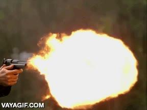 Enlace a Así es el anillo de fuego que se produce al disparar una Desert Eagle