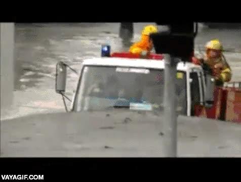Enlace a Nada puede detener a un camión de bomberos