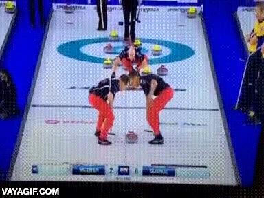 Enlace a El mejor lanzamiento de curling que he visto en mi vida