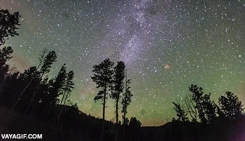 Enlace a La explosión de un cuerpo celeste captada por una cámara de time-lapse