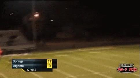 Enlace a Un tiro de campo anotado desde 55 metros