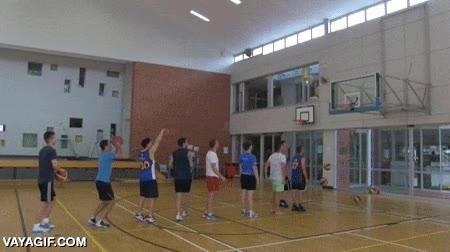 Enlace a No me gustaría jugar un partido de basket contra estos diez tíos