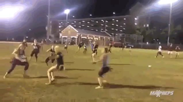 Enlace a Los ninjas existen, sólo que ahora son chicas rubias que juegan a rugby
