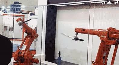 Enlace a Eso, enseñad a los robots a usar katanas y el día que llegue la rebelión de las máquinas...