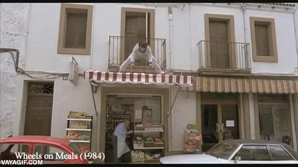 Enlace a Esas cosas que sólo Jackie Chan es capaz de hacer son las que hacen que lo adore